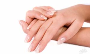 Грибок на ногтях рук: как выглядит, симптомы и лечение