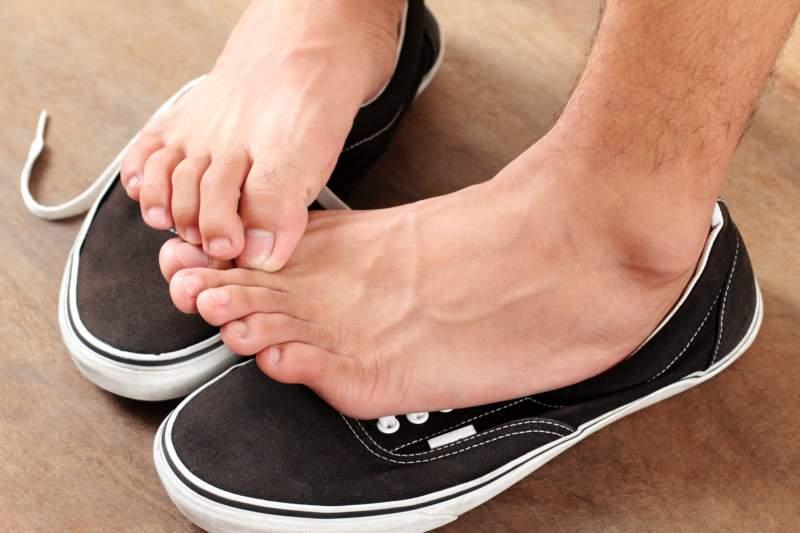 Зуд между пальцами ног причины и лечение
